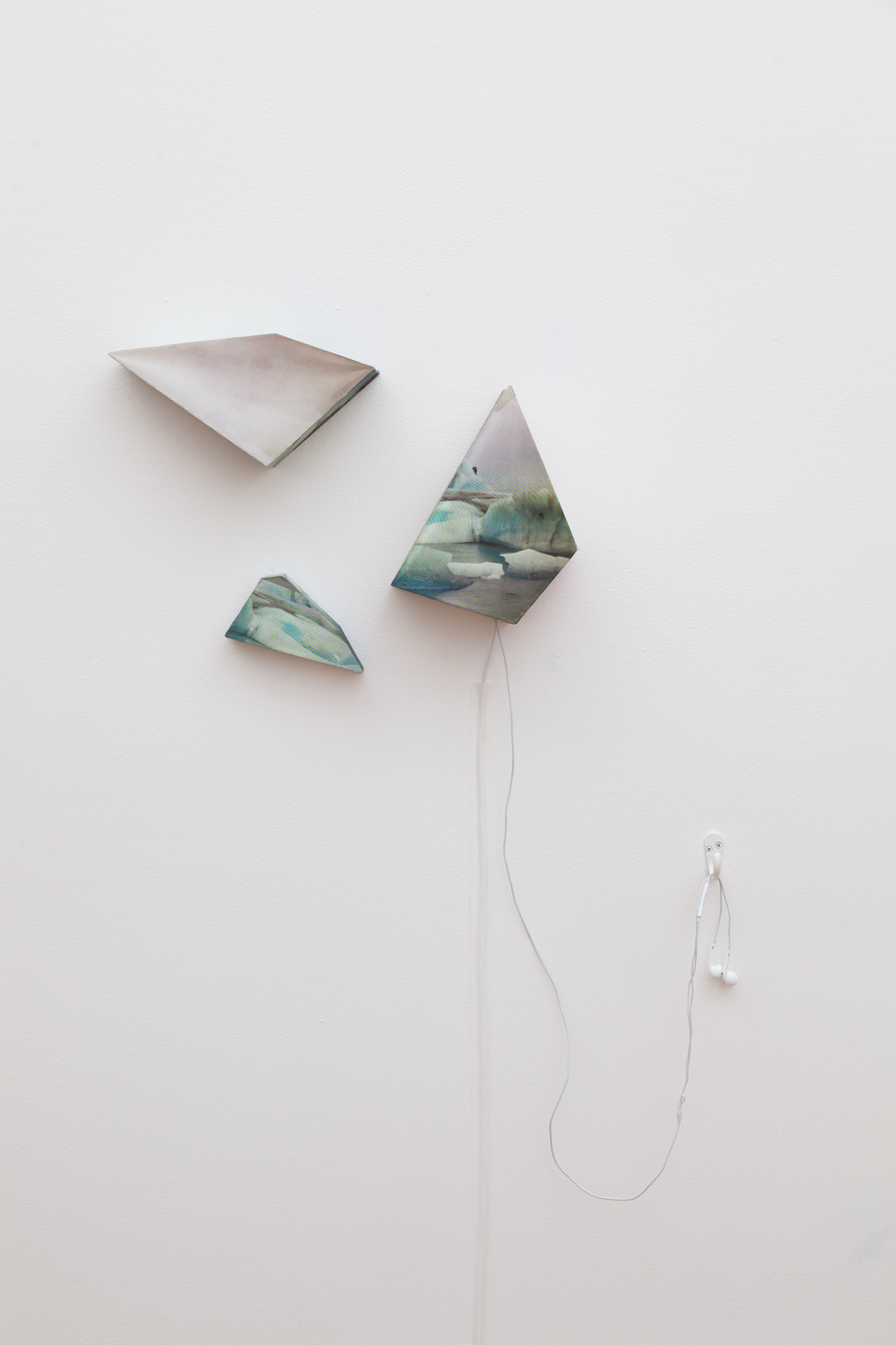 "<p><span class=""name"">Nicole Pietrantoni </span><br><em>No Reason to Panic</em><span class='media'>Paper boxes, electronics</span>dimensions variable<br>2015<br></p>"